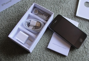Новый Apple iPhone 4 GB 32/16